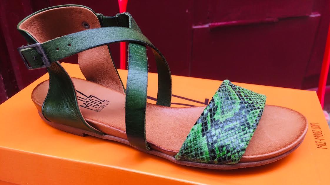 Chaussures Fleet de Miz Mooz couleur brandy chez Bee art&design