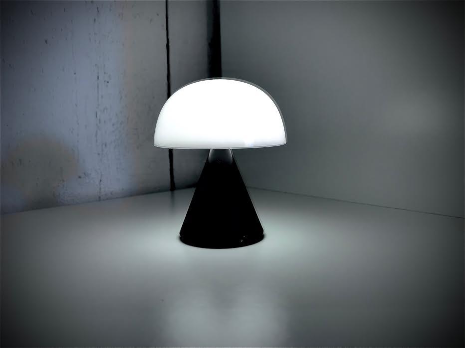 Mini lampe LED LEXON mina glossy black/noir  chez Bee art&design Saint-Malo