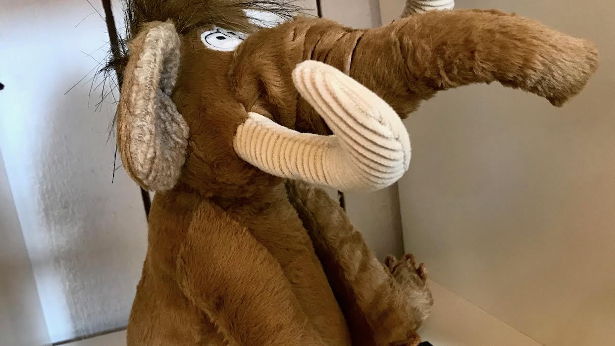 Peluche SIGIKID Mammouth Long Gone chez Bee art&design à Saint-Malo