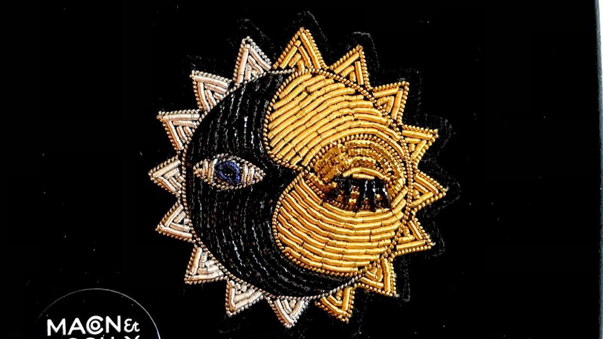 Broche Macon&Lesquoy soleil amical chez Bee art&design