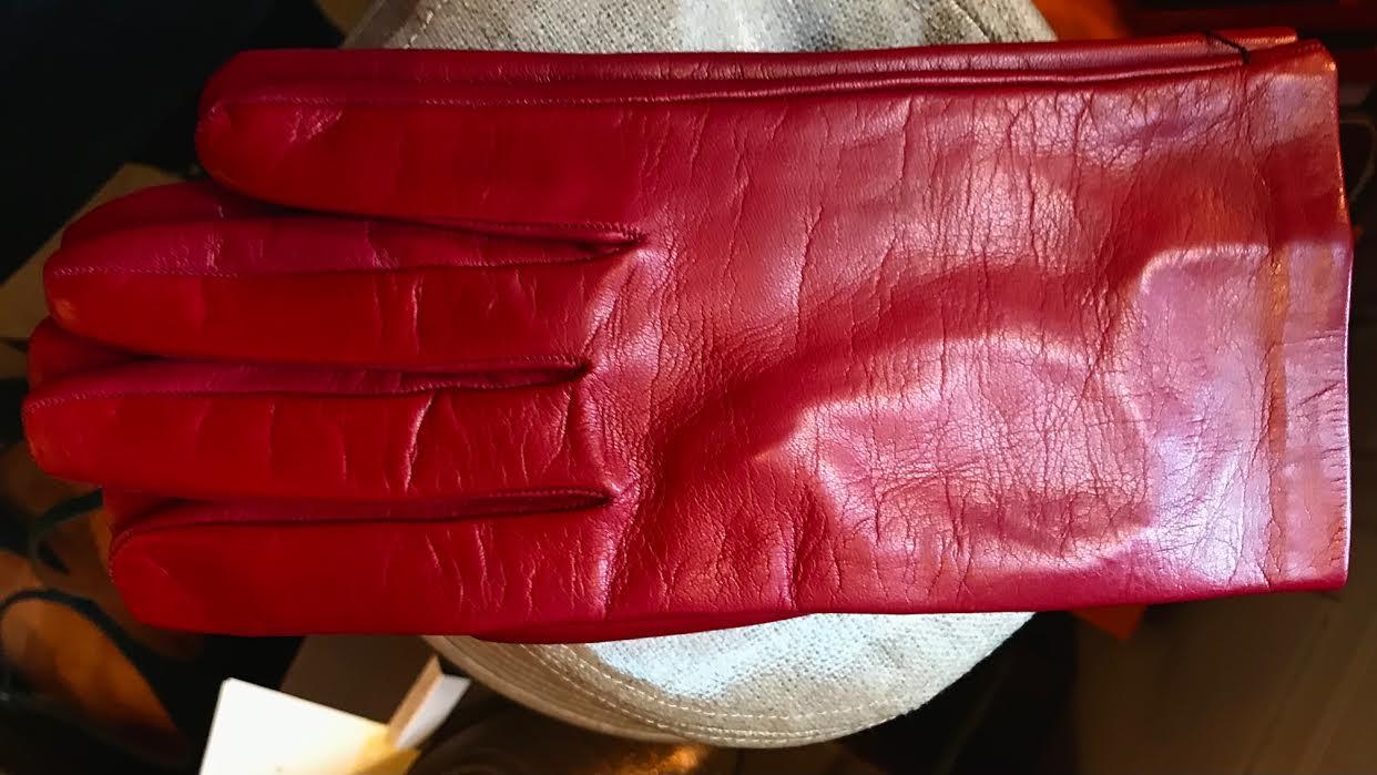 Gant femme Acaba Soie ou cashmere rouge chez Bee art&design